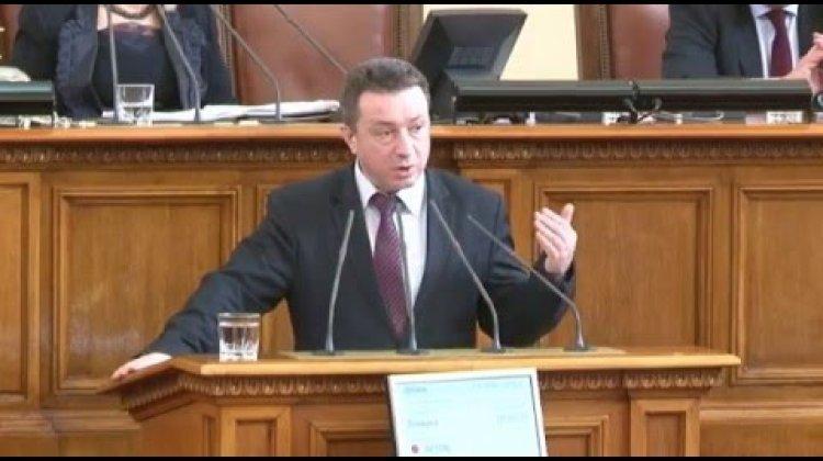 ВБорисов не даде ясен отговор на Стоилов ще се търси ли обвързване с инвестиции в договора за изтребителите-  26 02 2016 в НС